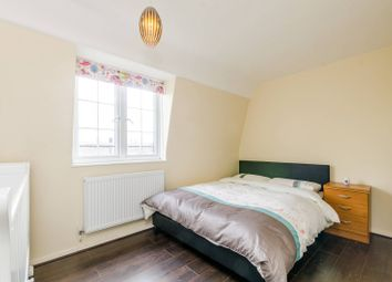 2 bed maisonette for sale in George Row, Bermondsey SE16