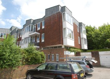Thumbnail 2 bed flat to rent in High Street, Petersfield