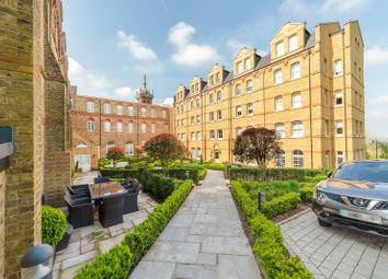 Thumbnail 2 bed flat to rent in Cambridge Court, London