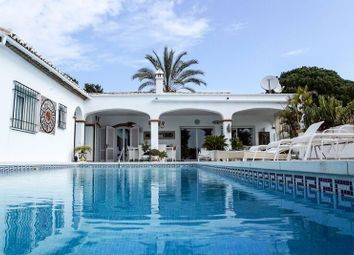 Thumbnail 4 bed villa for sale in El Paraiso, Malaga, Spain