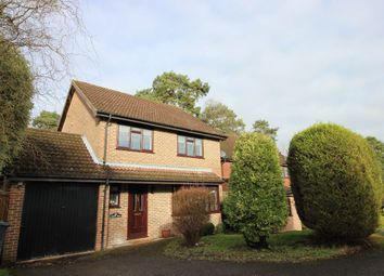 Thumbnail 4 bed detached house to rent in Perry Way, Lightwater