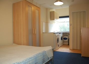 Thumbnail 1 bed flat to rent in Brookfield Crescent, Headington, Oxford