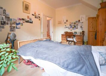 Thumbnail 2 bed flat to rent in Rusthall Avenue, Chiswick