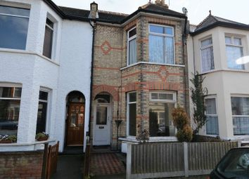 Thumbnail 2 bedroom flat for sale in Rayleigh Avenue, Westcliff-On-Sea