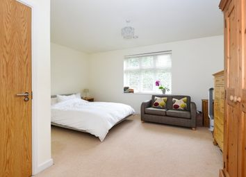 Thumbnail 5 bed property to rent in Gloucester Road, London