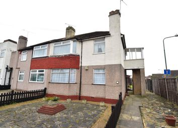 Thumbnail 2 bedroom flat for sale in Holmleigh Avenue, Dartford, Kent