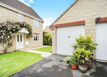 Thumbnail 4 bed detached house for sale in Kestrel Close, Calne