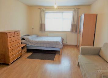 Thumbnail Studio to rent in Botwell Common Road, Hayes