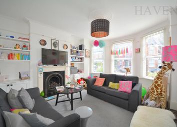 2 bed maisonette to rent in Sedgemere Avenue, East Finchley, London N2