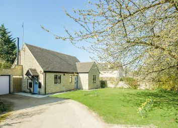 Thumbnail 3 bed bungalow for sale in Sinnels Field, Shipton-Under-Wychwood, Chipping Norton