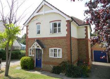 3 bed detached house to rent in Canal Court, Berkhamsted HP4
