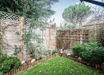 2 bed maisonette for sale in Nether Street, North Finchley, London, . N12