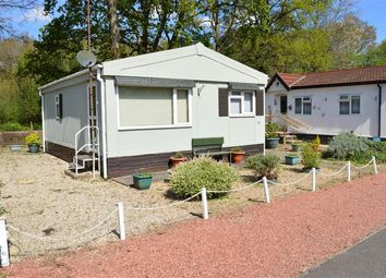 Thumbnail 1 bed mobile/park home for sale in Park Lane, Finchampstead, Wokingham