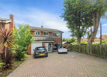 Wrotham Road, Meopham, Gravesend DA13. 4 bed detached house