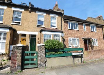 Thumbnail 1 bed flat to rent in Russell Road, Wimbledon, London