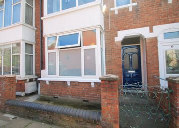 Thumbnail 1 bed flat for sale in Ascott Road, Aylesbury, Buckinghamshire