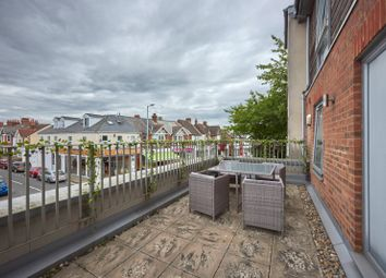 Luna Place, Hatfield Road, St. Albans, Hertfordshire AL1. 2 bed flat