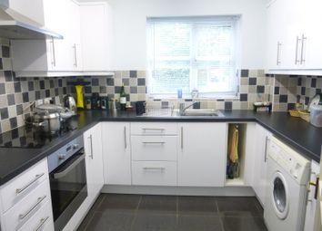Thumbnail 2 bedroom flat to rent in Field Gardens, Steventon, Abingdon