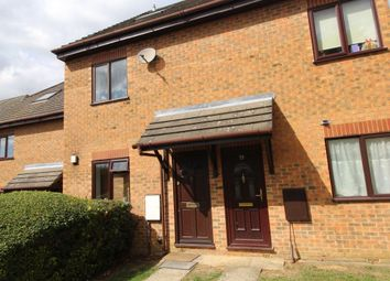 2 bed property to rent in The Wickets, Luton LU2