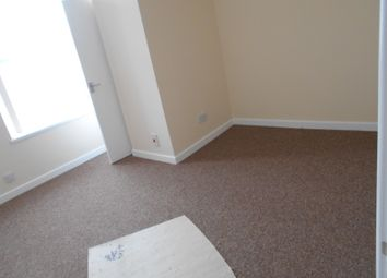 Thumbnail 1 bed flat to rent in Wellesley Road, Torquay