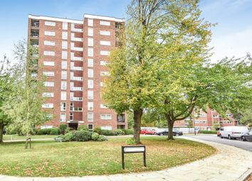 Thumbnail Flat for sale in Green Vale, London