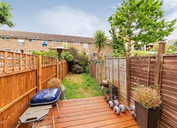 2 bed maisonette to rent in Astonville Street, London SW18