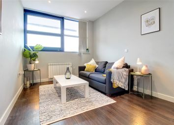 Thumbnail 1 bed flat to rent in Bath Road, Heathrow, Hayes