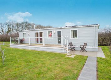 Thumbnail 2 bed mobile/park home for sale in Gunby Lake Caravan Park, Gunby, Spilsby