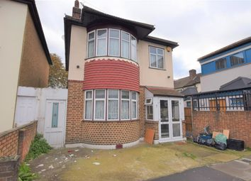 Thumbnail 3 bedroom detached house to rent in Mortlake Road, Ilford