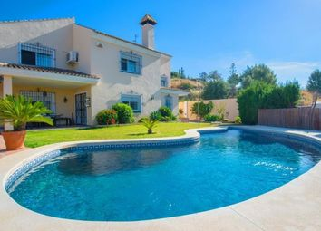Thumbnail 3 bed villa for sale in Spain, Málaga, Marbella, Huerta Del Prado