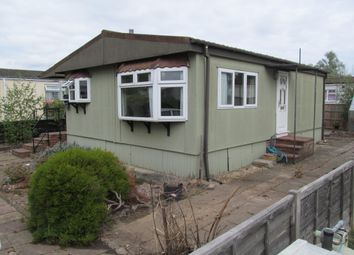 2 bed mobile/park home for sale in Coxes Avenue, Grange Farm Estate, Upper Halliford Road, Shepperton, Surrey, 8Te TW17