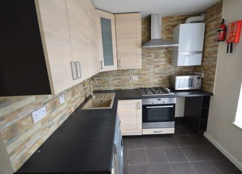 Thumbnail 3 bed flat to rent in Dagenham Road, Romford