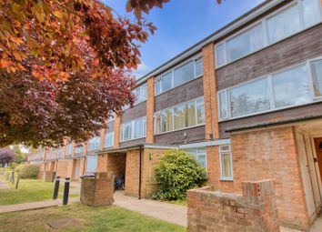Ashdown Drive, Borehamwood WD6. 3 bed maisonette