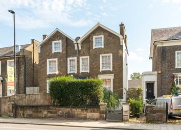 Coldharbour Lane, London SW9. 2 bed flat