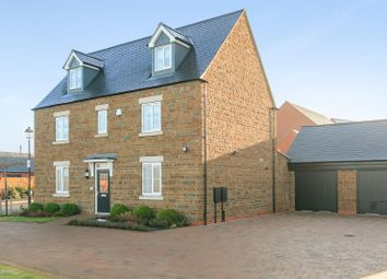 Thumbnail 6 bed detached house for sale in Wallin Road, Adderbury, Oxfordshire
