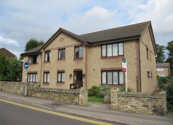 Thumbnail 1 bed flat to rent in Queens Road, Royston