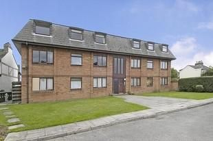 Thumbnail 1 bed flat to rent in Wolsey Road, Sunbury