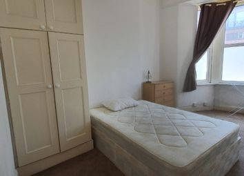 Thumbnail 3 bed flat to rent in Tooting High Street, Tooting Broadway