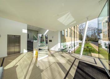2 bed flat for sale in Hampton Road, Teddington TW11