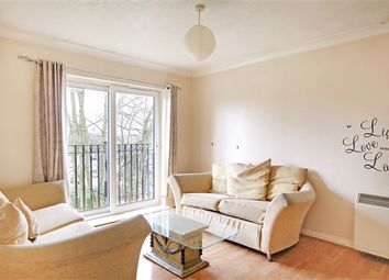 Thumbnail 2 bed flat to rent in Newbury Road, Crawley