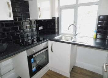 1 bed property to rent in Wood End Gardens, Northolt UB5