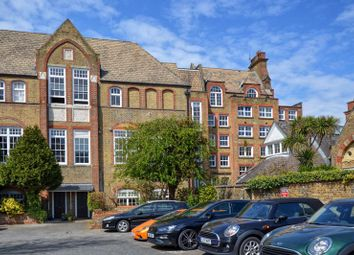 Schoolbell Mews, London E3. 2 bed flat for sale