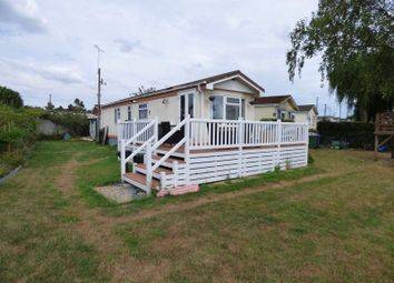 2 bed mobile/park home for sale in Spinney Lane, Cranbourne Hall, Winkfield, Windsor SL4