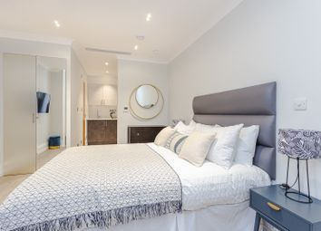 Thumbnail 1 bed flat to rent in Courtfield Gardens, London