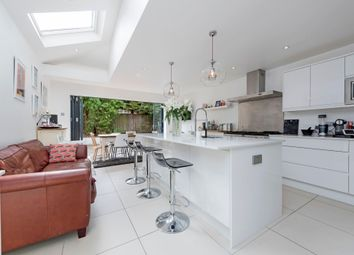 Thumbnail 5 bed terraced house to rent in Mandrake Road, London
