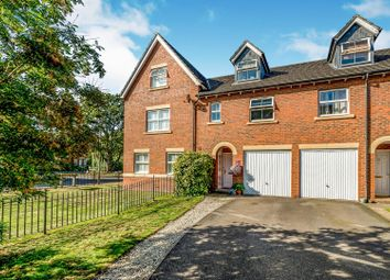 Thumbnail 3 bed town house for sale in Juniper Drive, Weston Turville