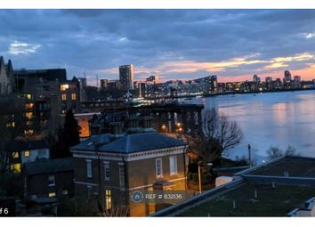 2 bed flat to rent in Banning Street, London SE10