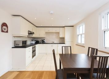 2 bed flat to rent in St. Georges Place, Bath BA1