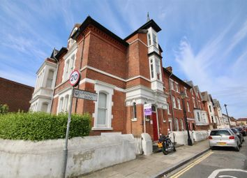 Thumbnail 2 bed flat to rent in Cavendish Road, Southsea