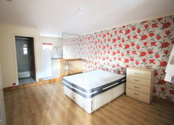Thumbnail Studio to rent in Unit 3A, Overbury Road, Woodberry Down